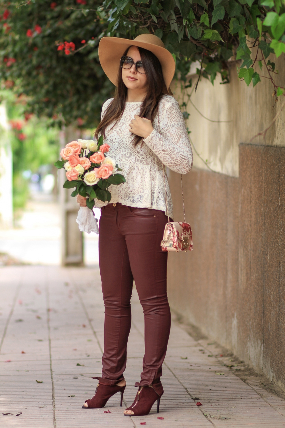 Lace-&-Flowers-mode-blog-chiccarpediem-mode-1