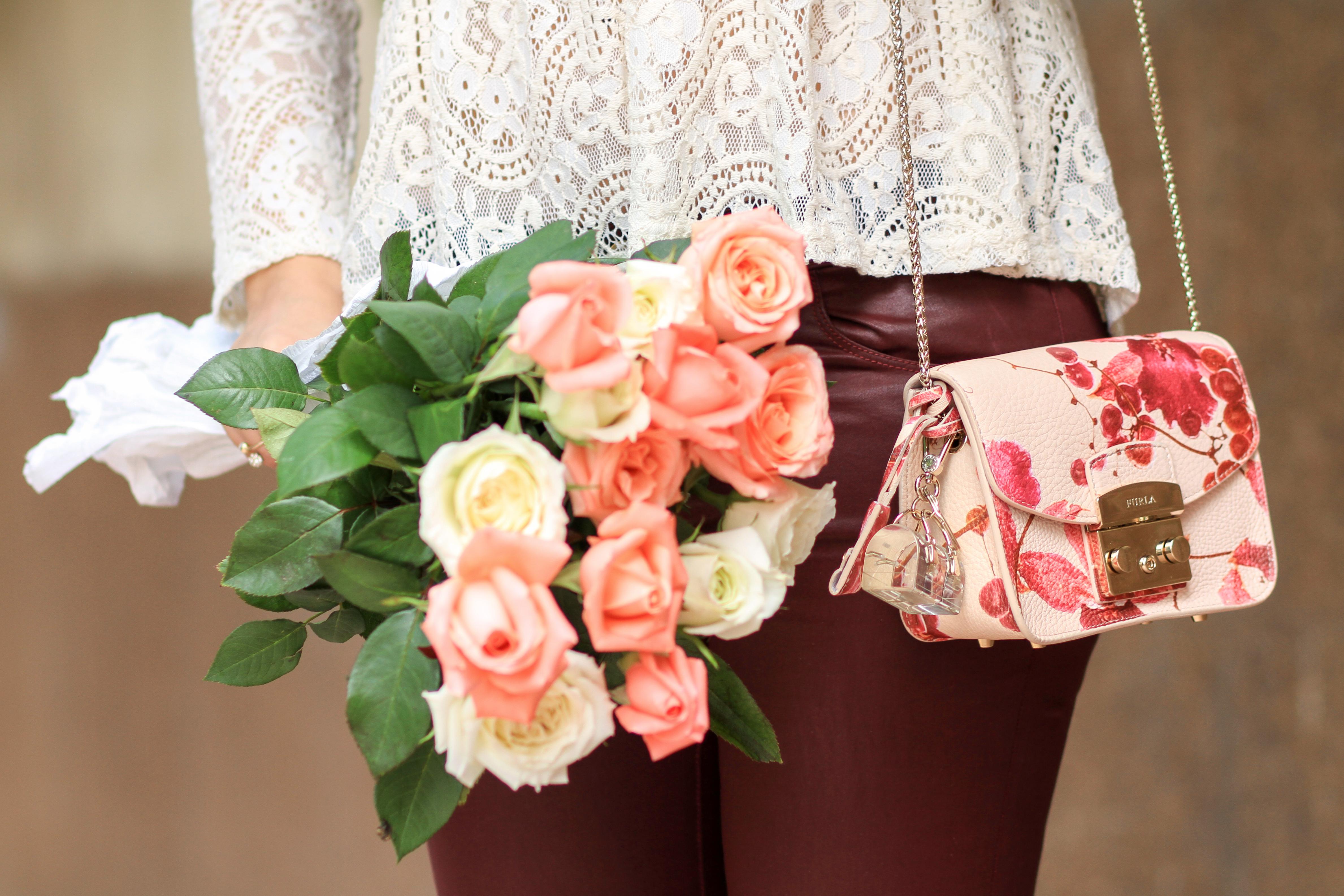 Lace-&-Flowers-mode-blog-chiccarpediem-mode-4
