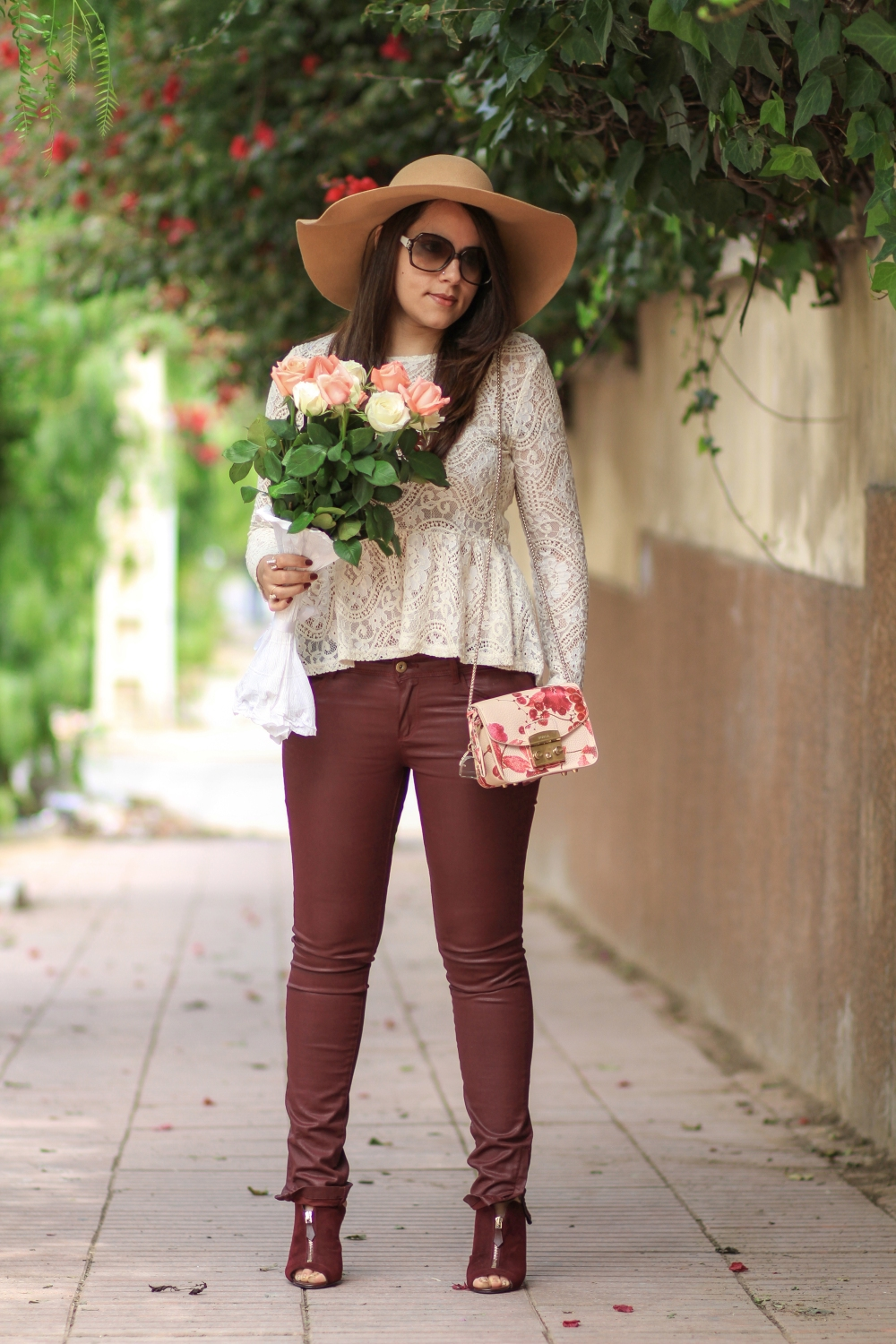 Lace-&-Flowers-mode-blog-chiccarpediem-mode-